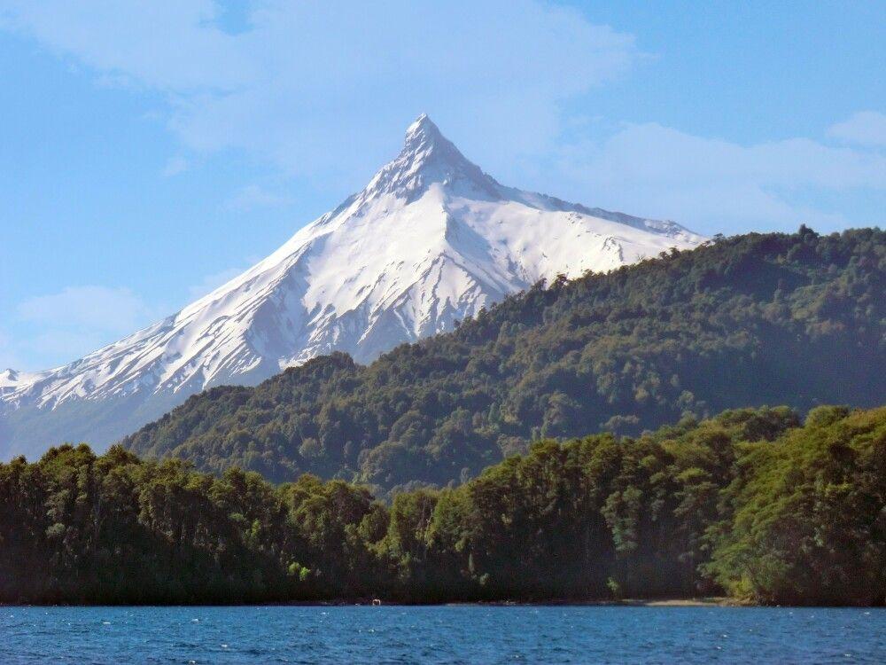 Blick auf den Vulkan Puntiagudo