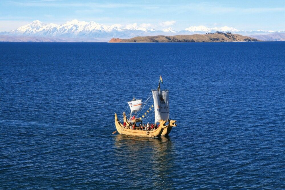 Schilfboot auf dem Titicacasee
