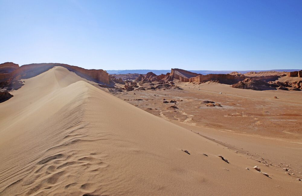 Riesige Sanddünen im Mondtal bei San Pedro de Atacama