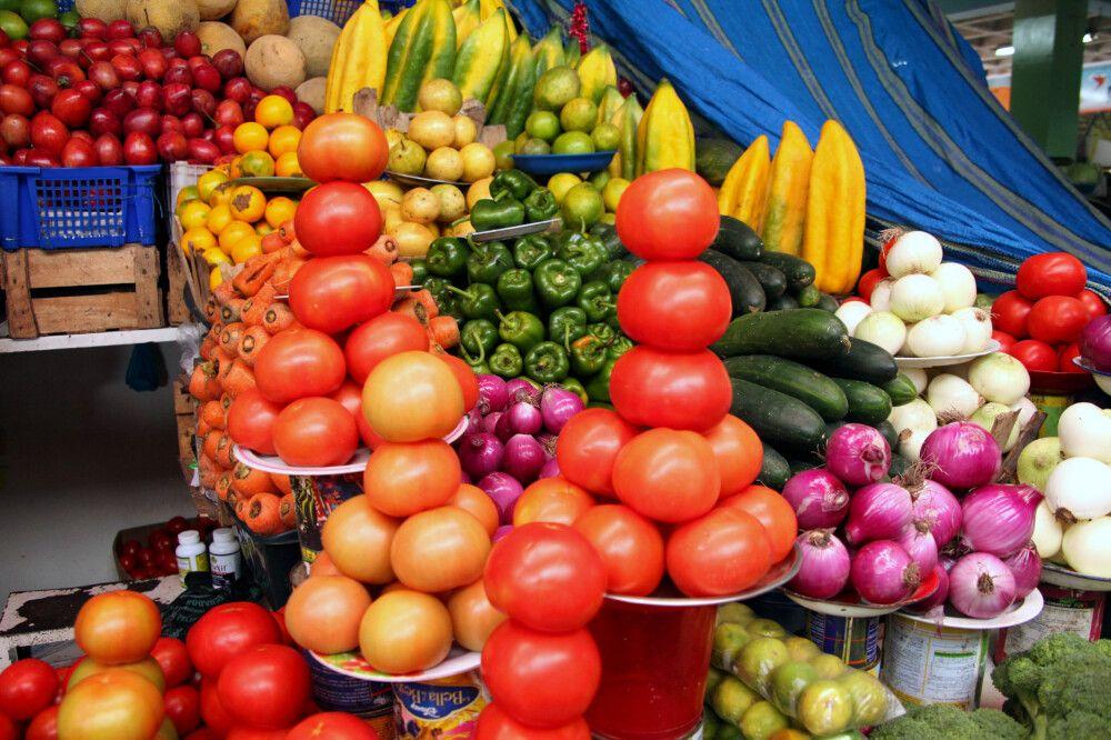 Der Markt besticht mit seiner großen Auswahl an Obst und Gemüse