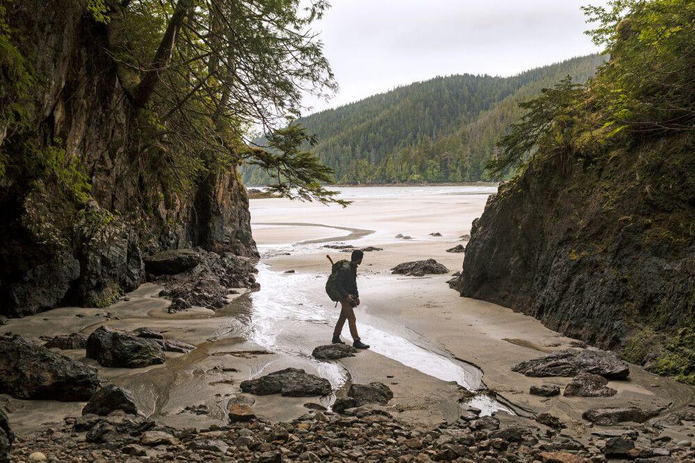 Wanderer im Cape Scott-Provinzpark, North Coast Trail, Vancouver Island