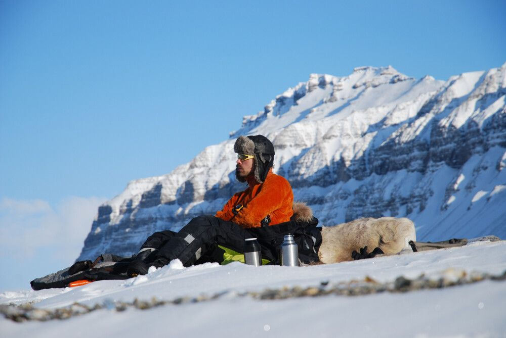 Pause vor traumhafter Bergkulisse